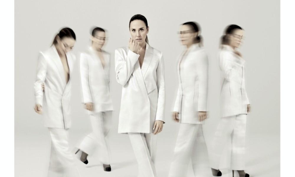 "Spice Girls: Melanie C anuncia novo álbum e disponibiliza o single ""In And Out Of Love"""
