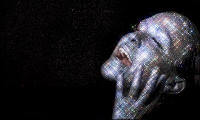 """Alanis Morissette volta ao topo de rock da Billboard com """"Such Pretty Forks in the Road"""""""