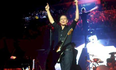 Bryan Adams realizará show ao vivo para 12 mil pessoas na Alemanha. Autoridades locais criticam