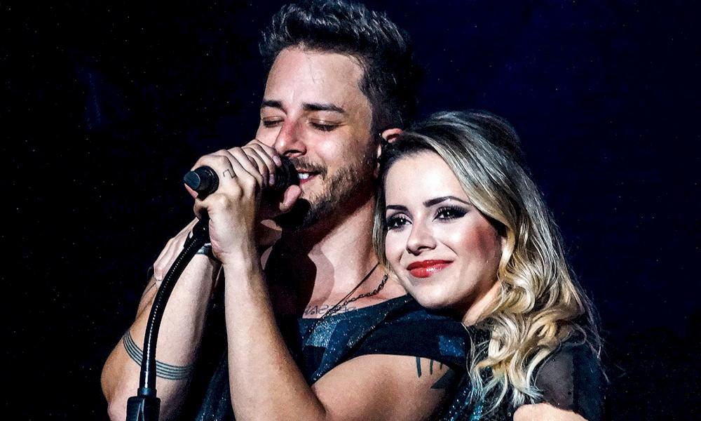 """Sandy e Junior disponibilizam o vídeo de Libertar, gravado ao vivo na turnê """"Nossa História"""""""