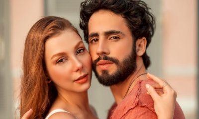 "Bella Schneider lança a sensual ""Take Me"" com Romero Ferro"