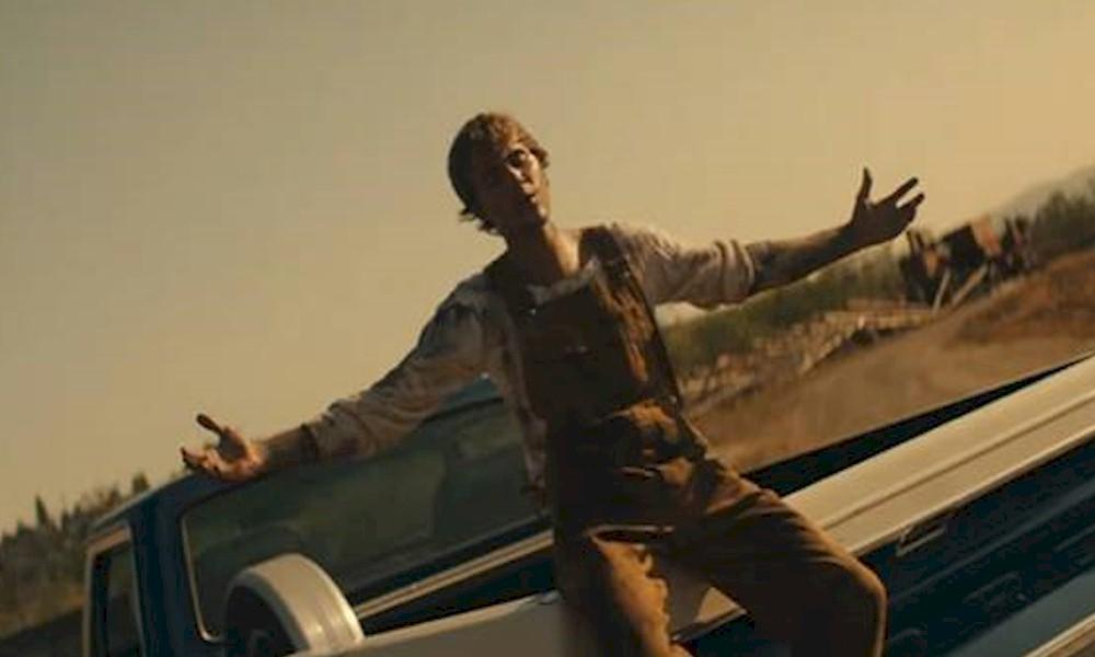 """Justin Bieber e Chance The Rapper lançam o video de colaborativo """"Holy"""""""