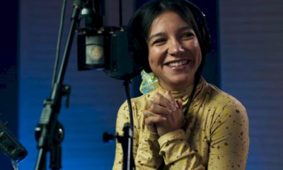 """Priscilla Alcantara divulga a capa de """"Vou Voar"""", tema da animação """"A Caminho da Lua"""""""