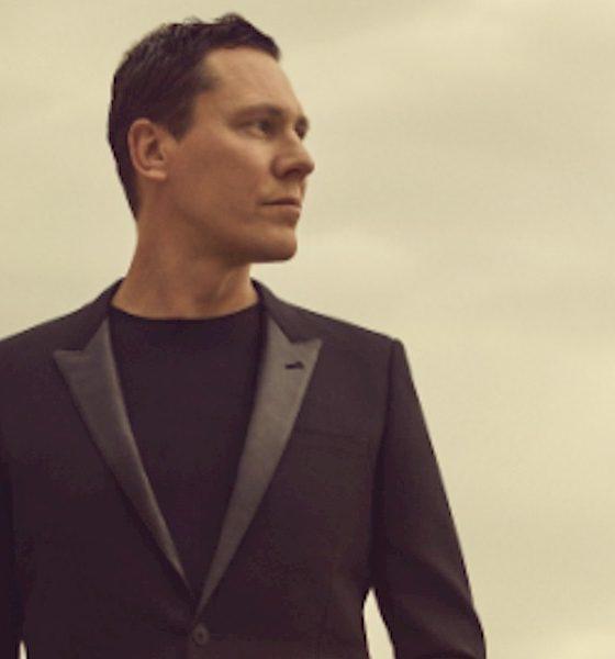 """Tiësto assina com a lendária Atlantic Records e anuncia novo single """"The Business"""""""