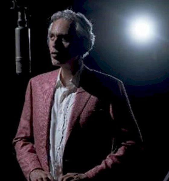 "Andrea Bocelli lança ""You'll Never Walk Alone"", faixa do novo álbum ""Believe"""