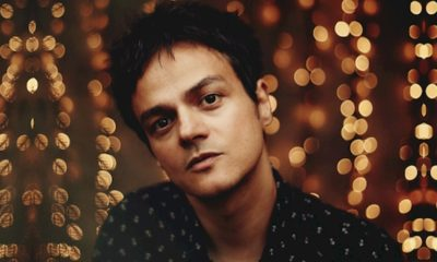 "Jamie Cullum lança o novo single ""Turn On The Lights"""