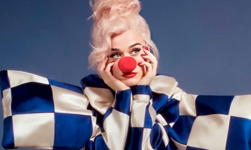 """Katy Perry: álbum """"Smiles"""" chega ao Brasil em CD"""
