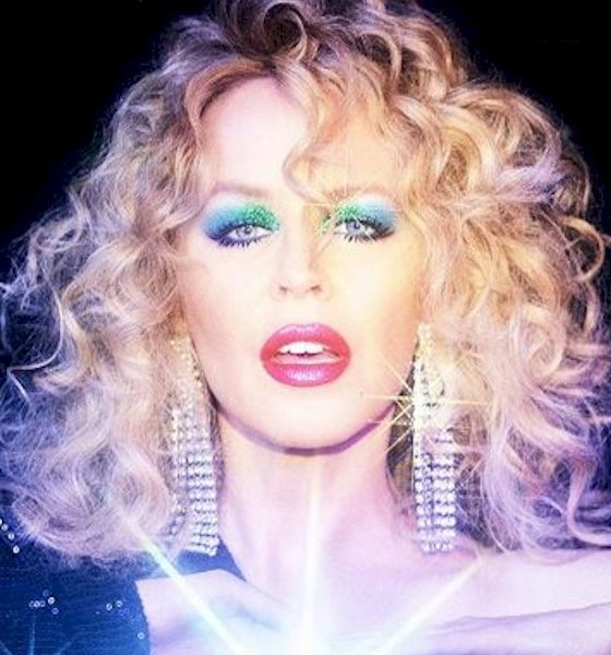"Kylie Minogue lança remix para recente single ""Magic"" por Purple Disco Machine"