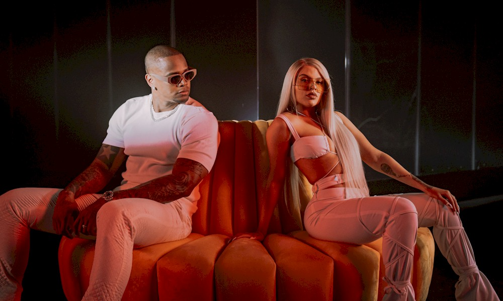 "Léo Santana e Luísa Sonza lançam clipe e single de ""Século 21"""