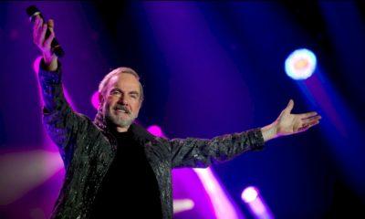 """Neil Diamond: ouça o single """"Heartlight"""" com a Orquestra Sinfônica de Londr"""
