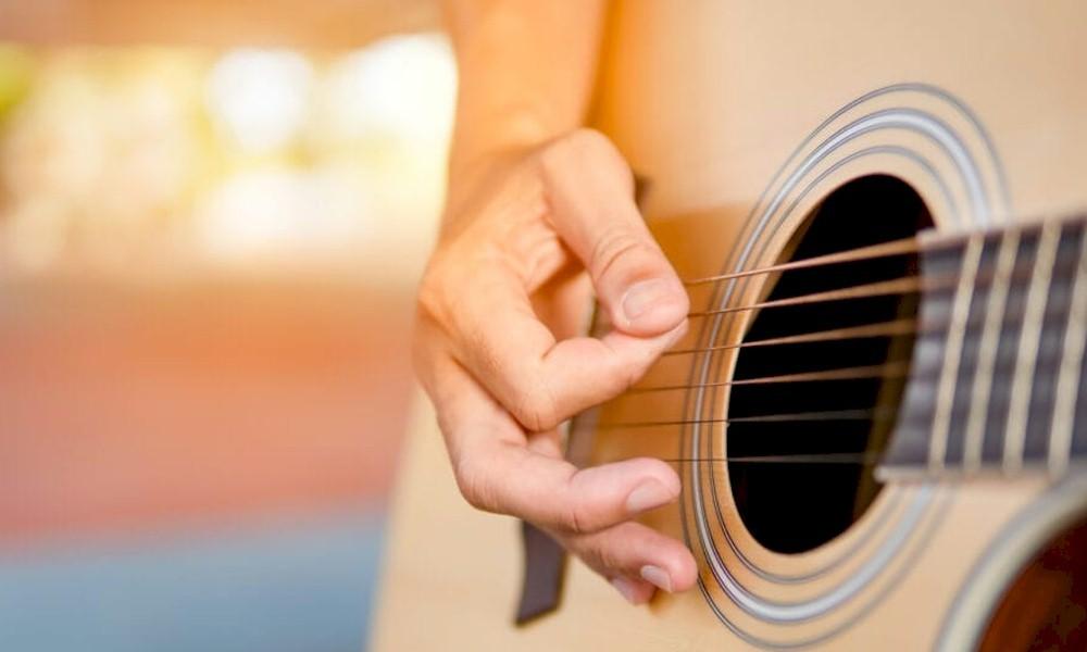 Busca por aulas de música crescem no Brasil em 69%, aponta aplicativo de contratação