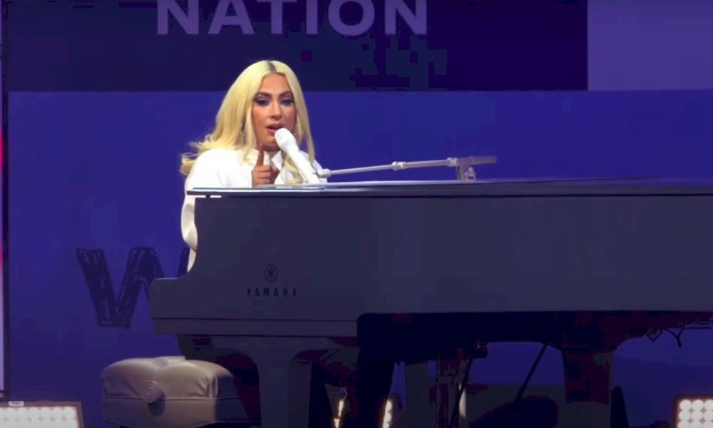 """Lady Gaga canta o sucesso """"You and I"""" durante comício de Joe Biden"""