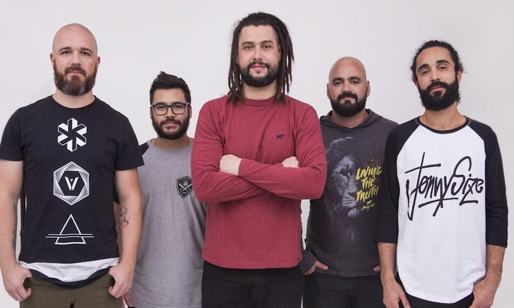 """Maneva apresenta o show """"Tudo Vira Reggae"""" em São Paulo"""