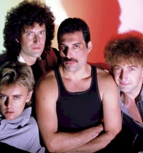 Novo livro do Queen mostra fotos inéditas da banda em turnê