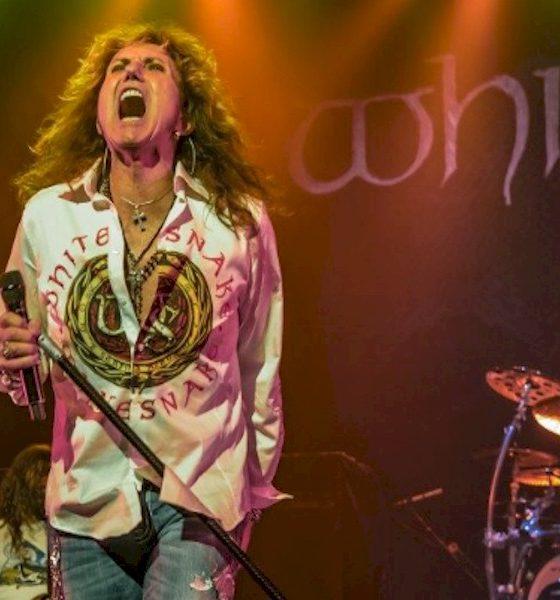 "Whitesnake lança a coletânea ""Love Songs"""