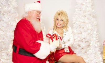"""Dolly Parton: álbum natalino """"Holly Dolly Christmas"""" estreia no topo das paradas country"""