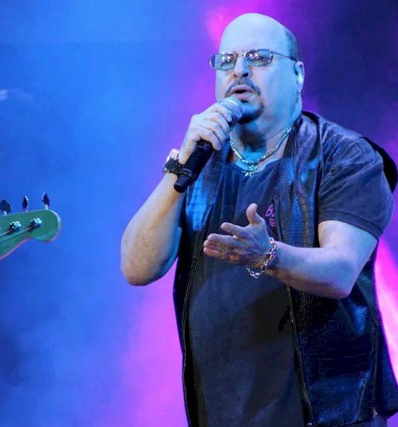Paulinho, vocalista do Roupa Nova, morre aos 68 anos, vítima do coronavírus