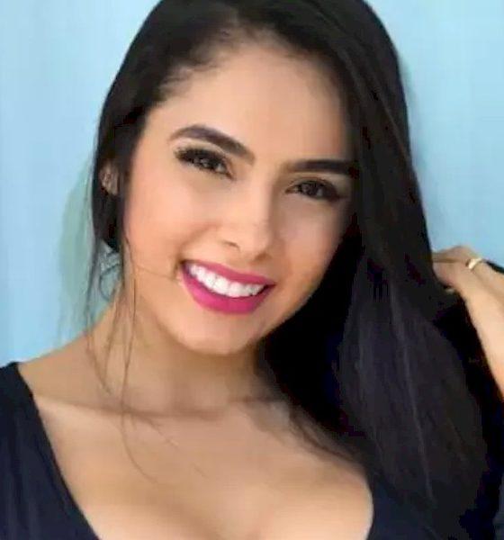 Juliana Caetano, do Bonde do Forró, se arrisca no futebol