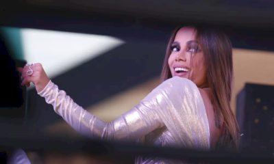 """Anitta comemora vacina no Brasil e promete """"festival em casa"""""""