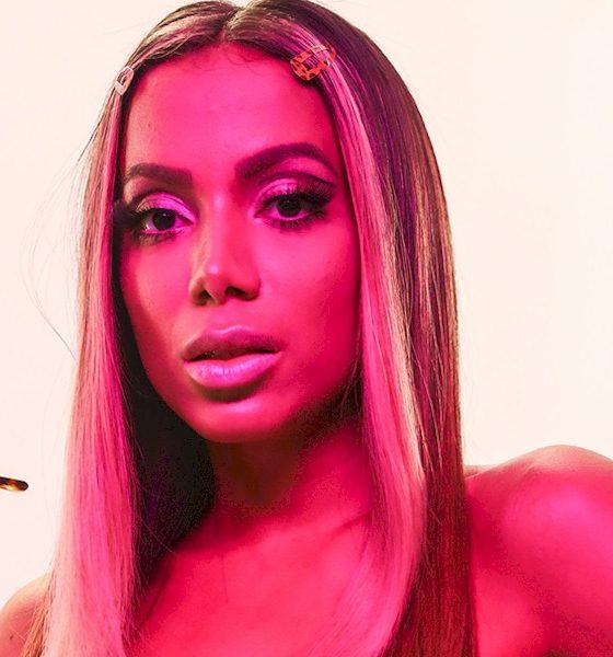 """Anitta faz convite para cantor porto-riquenho: """"Venha para Miami"""""""