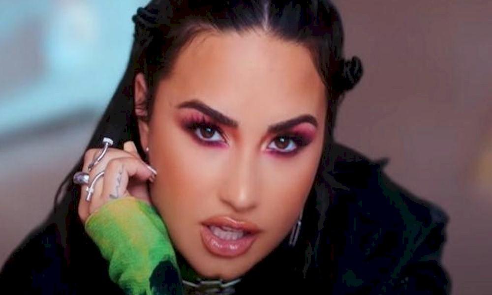 Demi Lovato está gravando novas músicas em resposta aos tumultos pró-Trump