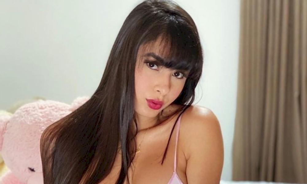 """Juliana Caetano sensualiza de camisola curta no Instagram e fãs reagem: """"Muito sexy"""""""
