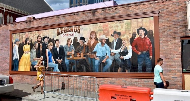 Foto de Taylor Swift é retirada de famoso mural do Country em Nashville