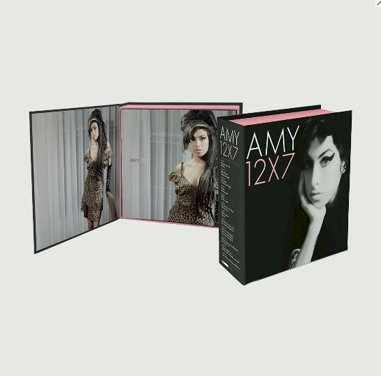 Amy Winehouse: gravadora lança box com singles de sucesso em vinil compacto