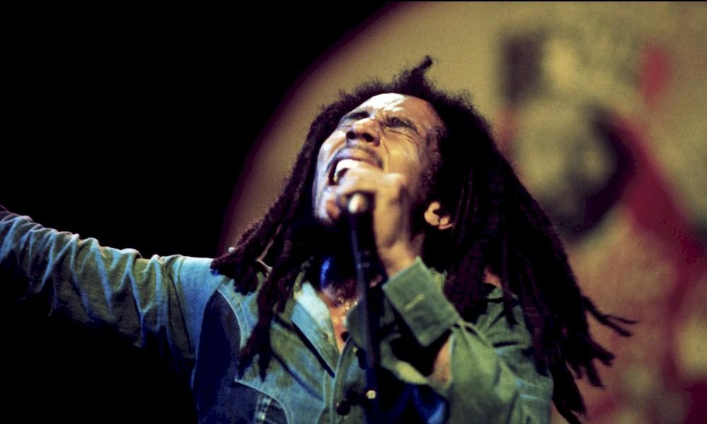 """""""Jamming"""", clássico de Bob Marley, ganha remix de Tropkillaz e Tiwa Savage"""