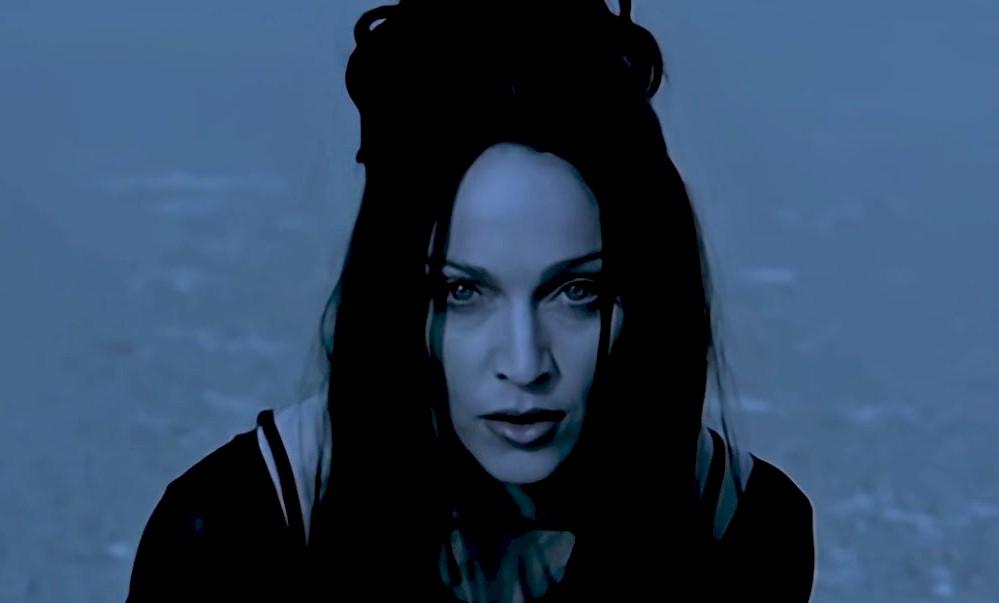 """Madonna: clipe de """"Frozen"""" é relançado em HD"""