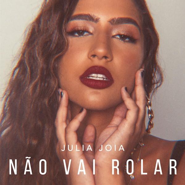 """Julia Joia mostra seu lado sensual no clipe """"Não Vai Rolar"""""""