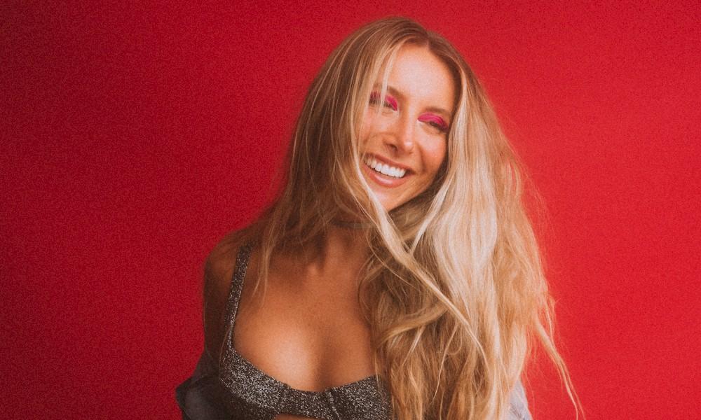 DJ Camilla Brunetta assina com nova empresa gestão de talentos