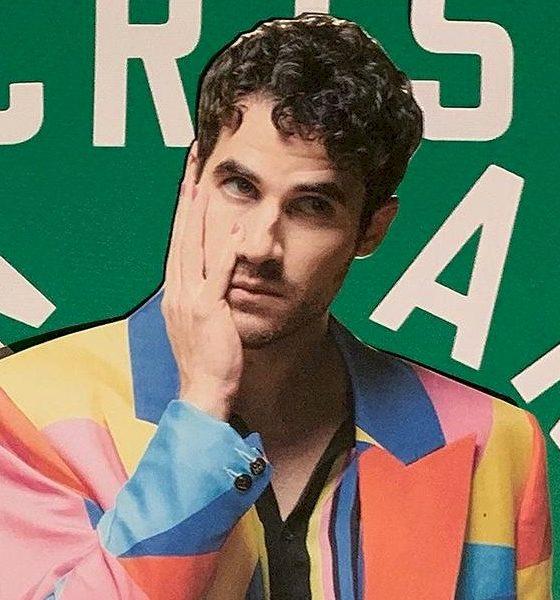 "Mentor do The Voice USA, Darren Criss lança ""F*kn Around"""