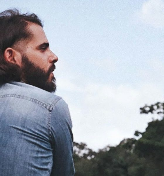 """EXCLUSIVO: Samico estreia """"Pássaro Blue"""" com Illy e Bárbara Eugênia"""