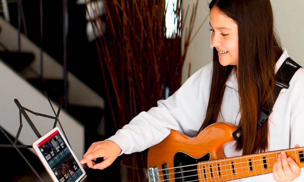 Ensino musical ganha novas soluções via streaming no mercado brasileiro
