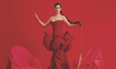 """Selena Gomez: EP """"Revelación"""" chega ao Brasil em CD"""