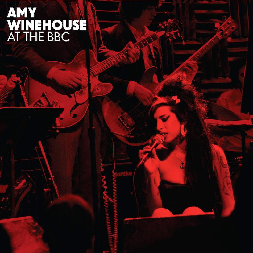 """Amy Winehouse: gravadora libera mais três faixas de """"At The BBC"""""""