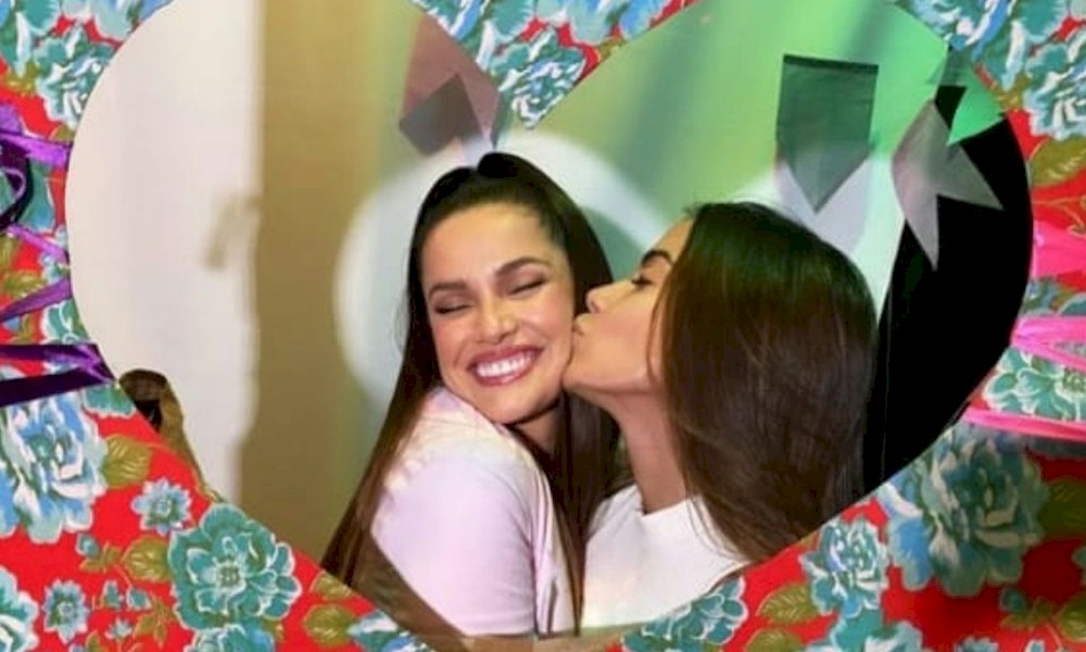 "Anitta encontra Juliette no Brasil e ""cobra aluguel"" da ex-BBB"