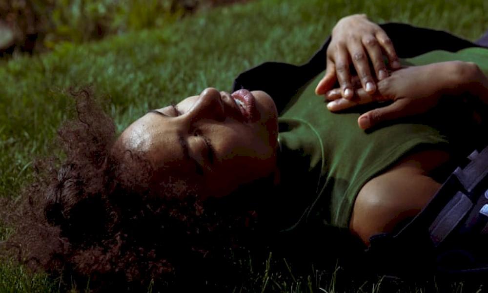 """Esperanza Spalding lança o inédito single 'Formwela 4"""""""