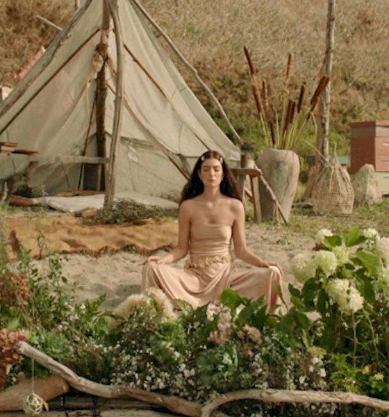 "Lorde compartilha video enigmático com cenas de ""Solar Power"""