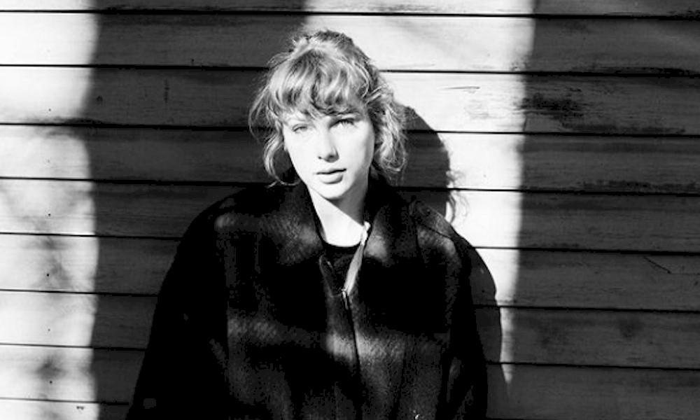 """Taylor Swift vende mais de 40 mil cópias de vinil do álbum """"Evermore"""""""
