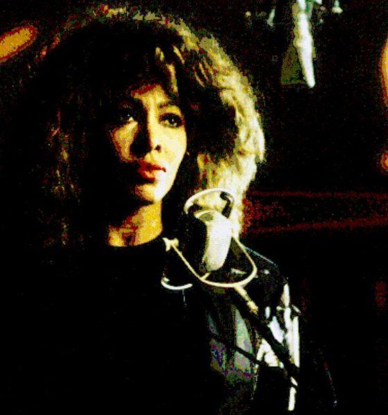 """Tina Turner anuncia versão deluxe do álbum """"Foreign Affair"""""""