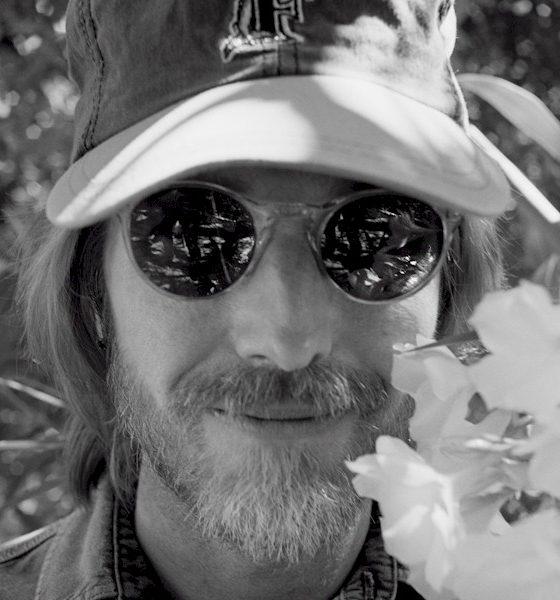 "Tom Petty: ""Finding Wildflowers"" chega ao Brasil em CD físico"