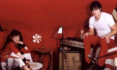 """The White Stripes celebra os 20 anos de """"White Blood Cells"""" com versão deluxe"""