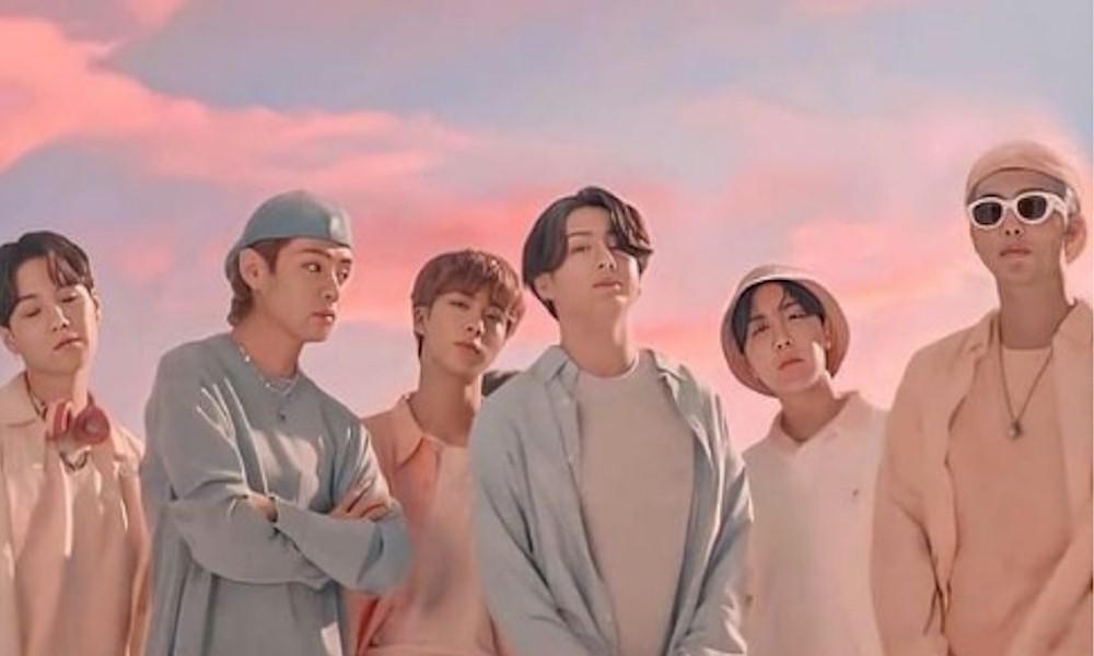 BTS fatura quase US$ 9 milhões com vendas de CD, reporta a Billboard