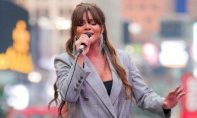 Gabily apresenta pocket show na Times Square em Nova York