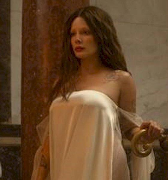 "Halsey disponibiliza o segundo trailer de ""If I Can't Have Love, I Want Power"""