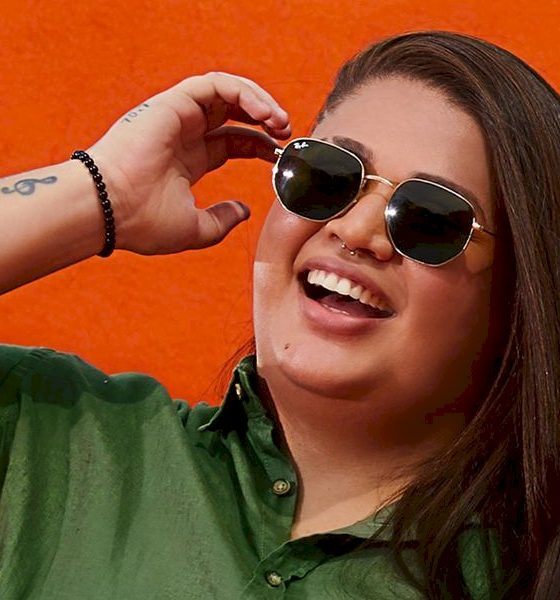 """Nova voz do pagode feminino, Jecy lança faixa autoral """"Jogo de Aposta"""""""
