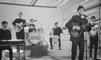 "Juanes se inspira nos Beatles no clipe de ""Sin Medir Distancias"""