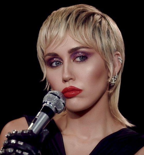 Miley Cyrus vende luxuosa mansão por mais de US$ 7 milhões